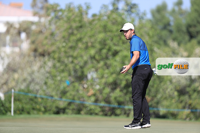 Romain Wattel (FRA) on the 12th green during round 2 of the DP World Tour Championship, Jumeirah Golf Estates, Dubai, United Arab Emirates. 18/11/2016<br /> Picture: Golffile | Fran Caffrey<br /> <br /> <br /> All photo usage must carry mandatory copyright credit (&copy; Golffile | Fran Caffrey)
