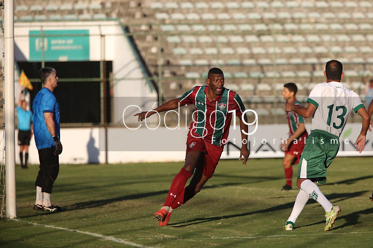O jogador Somália do Fluminense durante partida contra o Gama na Copa Internacional de Futebol Legends, no Estádio Bezerrão, nessa terça-feira (18). (Foto: Anderson Papel/Código19)