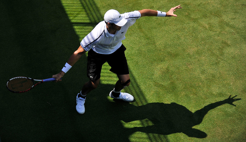 John Isner (USA) in action today during his match against Jared Donaldson (USA) in their Men&rsquo;s Singles Second Round match<br /> <br /> Photographer Ashley Western/CameraSport<br /> <br /> Tennis - ATP 500 World Tour - AEGON Championships- Day 2 - Tuesday 16th June 2015 - Queen's Club - London <br /> <br /> &copy; CameraSport - 43 Linden Ave. Countesthorpe. Leicester. England. LE8 5PG - Tel: +44 (0) 116 277 4147 - admin@camerasport.com - www.camerasport.com