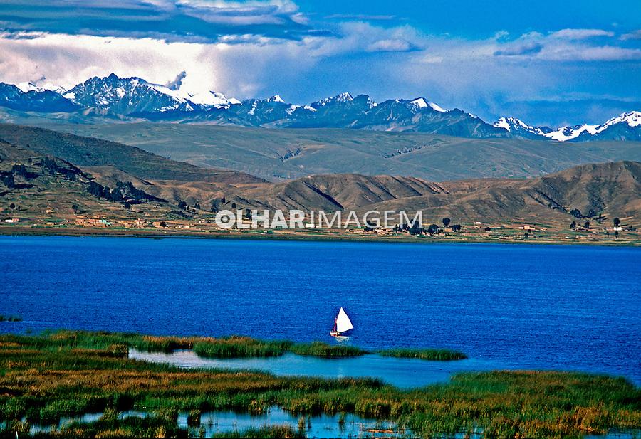 Cordilheira dos Andes e Lago Titicaca. Bolivia. 1998. Foto de Juca Martins.