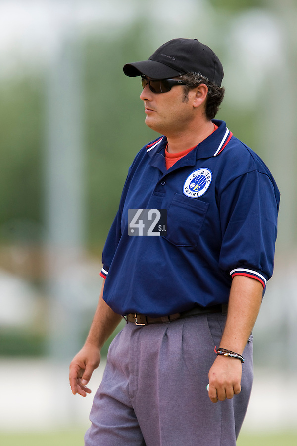BASEBALL - EUROPEAN UNDER -21 CHAMPIONSHIP - PAMPELUNE (ESP) - 03 TO 07/09/2008 - PHOTO : CHRISTOPHE ELISE .BELGIUM VS FRANCE (WINNER 7-3) - UMPIRE LAZCANO