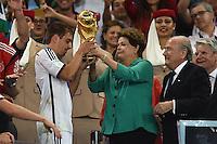 La Presidentessa del Brasile Dilma Rousseff consegna la coppa del Mondo.<br /> Cerimonia di premiazione. La germania campione del mondo.<br /> Rio de Janeiro (Brasile) 13-07-2014 Maracana Final - Finale Germany - Argentina / Germania - Argentina. Football 2014 Fifa World Cup Brazil - Campionato del Mondo di Calcio  Brasile 2014 <br /> Foto Insidefoto