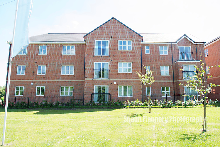 Pix: Shaun Flannery/shaunflanneryphotography.com...COPYRIGHT PICTURE>>SHAUN FLANNERY>01302-570814>>07778315553>>..16th June 2010...............Miller Homes..Stonebridge Fold, East Ardsley, WF3 3DY..A block apartments
