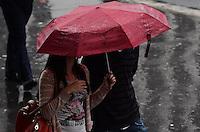 SAO PAULO, 21 DE JUNHO DE 2012 - CLIMA TEMPO SP - Pancada de chuva atinge a capital, na manha desta quinta feira, na Avenida Paulista regiao central. FOTO: ALEXANDRE MOREIRA - BRAZIL PHOTO PRESS