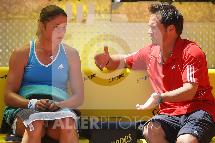 Russia's Dinara Safina and her coach Zeljko Krajan during his Madrid Open Semi final match.May 16 2009.(ALTERPHOTOS/Acero).