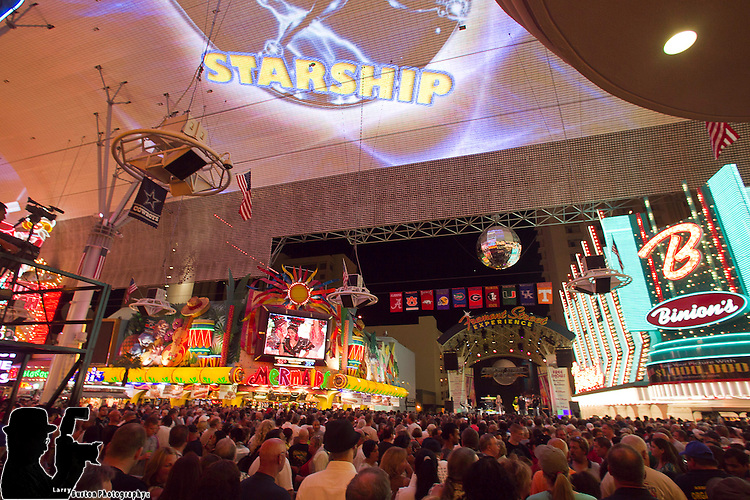 Jefferson Starship performs Fremont Street Experience for Summer of the 70's Labor day special