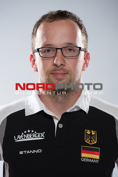 24.05.2015, Sportzentrum Westenfeld, Bochum<br /> Volleyball, Fotoshooting Nationalmannschaft MŠnner / Maenner<br /> <br /> Jan Kahlenbach (Scout)<br /> <br />   Foto &copy; nordphoto / Kurth