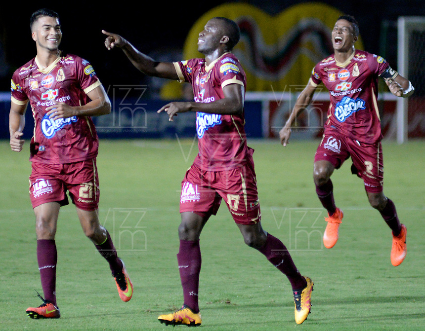 IBAGUÉ -COLOMBIA, IBAGUÉ -COLOMBIA, 11-05-2017. Deportes Tolima y Rionegro Aguilas en partido por la fecha 17 de la Liga Águila I 2017 jugado en el estadio Manuel Murillo Toro de Ibagué. / Deportes Tolima and Rionegro Aguilas in match for date 17 of the Aguila League I 2017 played at Manuel Murillo Toro stadium in Ibague city. Photo: VizzorImage / Juan Carlos Escobar / Cont. Luis Paz jugador del Deportes Tolima celebra después de anotar un gol a Rionegro Aguilasdurante partido por la fecha 17 de la Liga Águila I 2017 jugado en el estadio Manuel Murillo Toro de Ibagué. / Luis Paz player of Deportes Tolima celebrates after scoring a goal to Rionegro Aguilasduring match for date 17 of the Aguila League I 2017 played at Manuel Murillo Toro stadium in Ibague city. Photo: VizzorImage / Juan Carlos Escobar / Cont