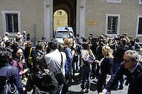 Roma, 14 Maggio 2012.Piazza Sant'Apollinare.Aperta la tomba di Enrico De Pedis detto Renatino boss della Banda della Magliana..Giornalisti, fotoreporter e cameramen davanti la pontificia università