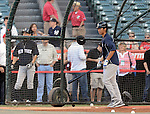 (R-L) Gosuke Kato, Ichiro Suzuki (Yankees),<br /> JUNE 14, 2013 - MLB :<br /> New York Yankees second round draft pick Gosuke Katoh takes batting practice before the Major League Baseball game against the Los Angeles Angels at Anaheim Stadium in Anaheim, California, United States. (Photo by AFLO)
