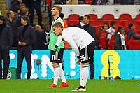 Timo Werner (Deutschland, Germany) und Marcel Halstenberg (Deutschland Germany) machen sich gemeinsam warm - 10.11.2017: England vs. Deutschland, Freundschaftsspiel, Wembley Stadium