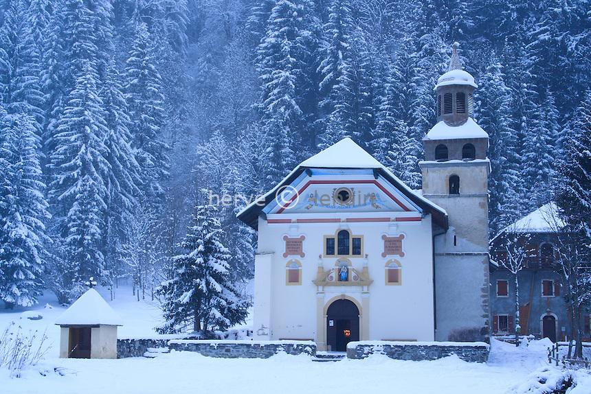 France, Haute-Savoie (74), Les Contamines-Monjoie, chapelle Notre-Dame-de-la-Gorge sous la neige // France, Haute Savoie, Les Contamines Monjoie, chapel Notre Dame de la Gorge under the snow