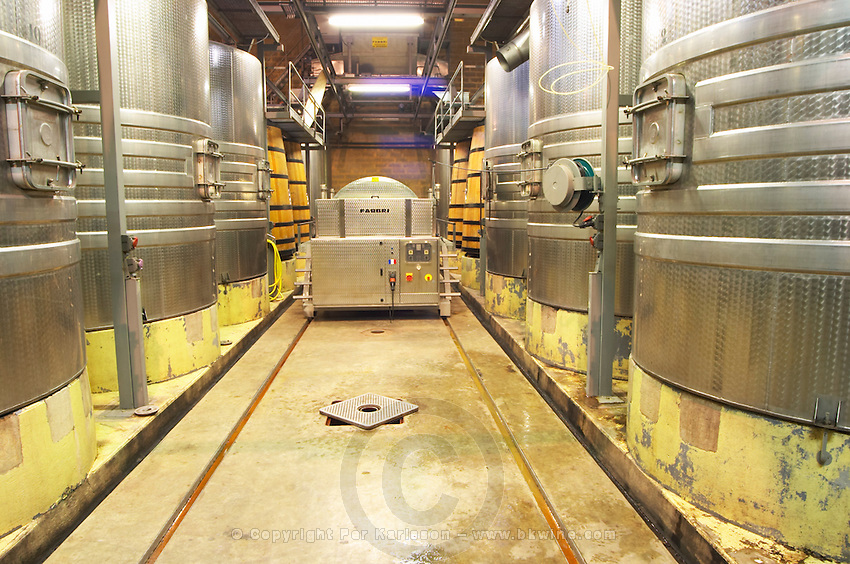 stainless steel tanks dom du vieux telegraphe chateauneuf du pape rhone france