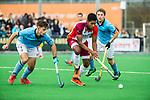 ALMERE - Hockey - Hoofdklasse competitie heren. ALMERE-HGC (0-1) . Terrance Pieters (Almere) met Tristan Algera (HGC). rechts Bernard Richters (HGC) . COPYRIGHT KOEN SUYK