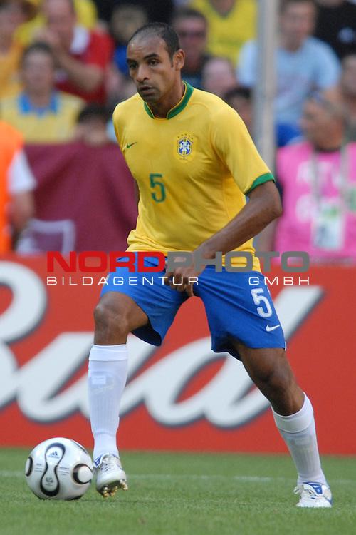 FIFA WM 2006 -  Gruppe F Vorrunde ( Group F )<br /> Play    #27 (18-Jun) - Brazil vs Australia<br /> <br /> Emerson (BRA)<br /> <br /> Foto &copy; nordphoto