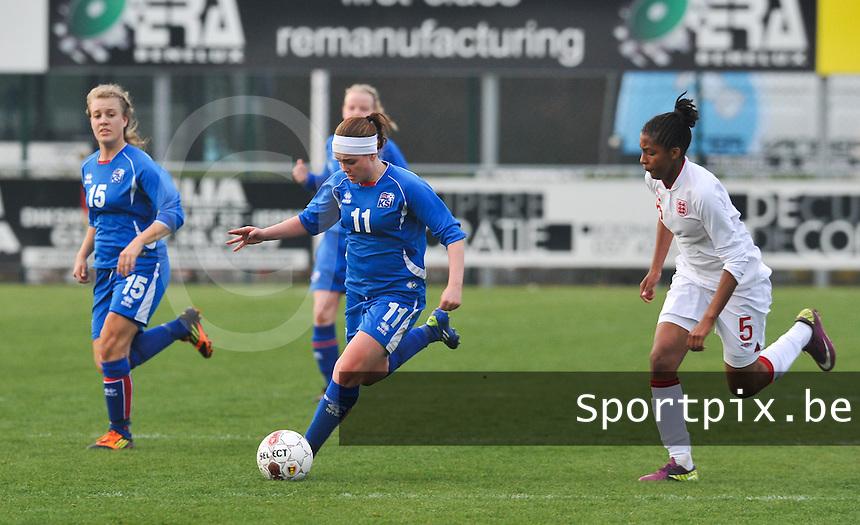 UEFA Women's Under 17 Championship - Second Qualifying round - group 1 : England - Iceland : .Telma Thrastardottir aan de bal voor Elisha N'Dow.foto DAVID CATRY / Vrouwenteam.be