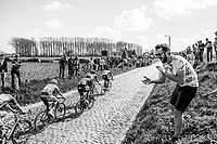 early breakaway group hits the Holleweg cobble section<br /> <br /> 101st Ronde van Vlaanderen  2017 (1.UWT)<br /> 1day race: Antwerp-Oudenaarde (260km)