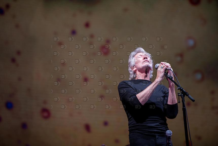 CIUDAD DE MÉXICO, Septiembre 28, 2016. El cantante Roger Waters durante su concierto en el Foro Sol de la Ciudad de México, donde criticó a Enrique Peña Nieto y a Donald Trump, el 28 de septiembre de 2016 FOTO: ALEJANDRO MELÉNDEZ