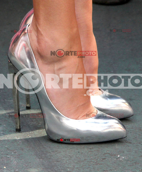 NEW YORK, NY - SEPTEMBER 12:  Close up of Jessica Alba's shoes while on Extra to talk about her cover story in Self magazine. New York City. September 12, 2012. © RW/MediaPunch Inc. /NortePhoto.com<br /> <br /> **CREDITO*OBLIGATORIO** *No*Venta*A*Terceros*<br /> *No*Sale*So*third*...