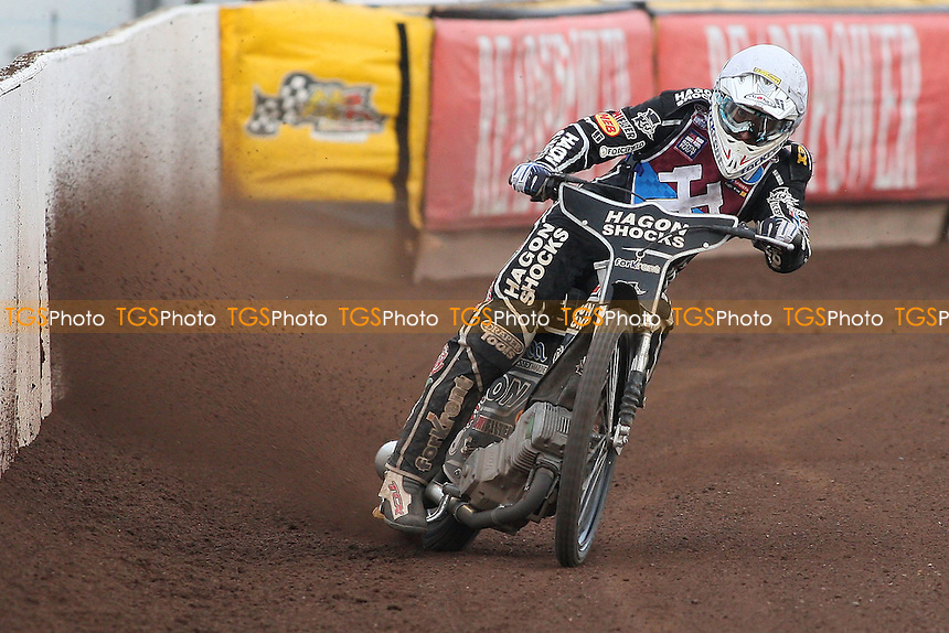 Heat 8: Chris Holder in action for Lakeside - Peterborough Panthers vs Lakeside Hammers - Elite League Speedway at the Showground, Peterborough - 18/07/11 - MANDATORY CREDIT: Gavin Ellis/TGSPHOTO - Self billing applies where appropriate - 0845 094 6026 - contact@tgsphoto.co.uk - NO UNPAID USE.