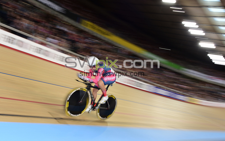 Picture by Alex Broadway/SWpix.com - 06/03/2016 - Cycling - 2016 UCI Track Cycling World Championships, Day 5 - Lee Valley VeloPark, London, England - Sarah Hammer of The USA competes in the Women's Omnium 500m Time Trial.