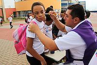 SAO PAULO, SP, 09 DE JANEIRO 2012. ABERTURA PROGRAMA RECREIO NAS FÉRIAS. Criancas e adolescentes se divertem na abertura do programa Recreio nas Férias, no Céu Caminho do Mar, no bairro do Jabaquara, regiao sul de SP, na manha desta segunda-feira, 9. FOTO MILENE CARDOSO - NEWS FREE
