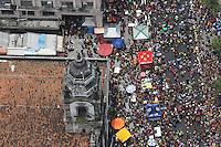 RECIFE, PE, 01.03.2014 - CARNAVAL / RECIFE / GALO DA MADRUGADA - <br /> Vista aérea do Galo da Madrugada, maior bloco de carnaval do mundo, no centro de Recife, na tarde deste sábado (01). (Foto: Vanessa Carvalho / Brazil Photo Press).