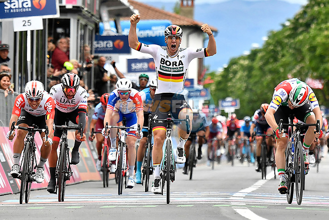German Champion Pascal Ackermann (GER) Bora-Hansgrohe wins Stage 2 of the 2019 Giro d'Italia, running 205km from Bologna to Fucecchio, Italy. 12th May 2019<br /> Picture: Fabio Ferrari/LaPresse | Cyclefile<br /> <br /> All photos usage must carry mandatory copyright credit (© Cyclefile | Fabio Ferrari/LaPresse)