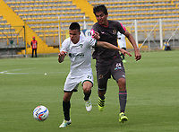 BOGOTA - COLOMBIA - 23 - 09 - 2017:Omer Escalante (Der.) jugador de Tigres FC disputa el balón con Walmer  Pacheco (Izq.) jugador de La Equidad  durante partido entre Tigres y Equidad,  por la fecha 13 de la Liga Aguila II-2017, jugado en el estadio Metropolitano de Techo de la ciudad de Bogota. /Omer Escalante (R) player of Tigres FC fights the ball agaisnt of Walmer  Pacheco (L)  player of La Equidad during a match between Tigres and Equidad, for the  date 13nd of the Liga Aguila II-2017 at the Metropolitano de Techo Stadium in Bogota city, Photo: VizzorImage  /Felipe Caicedo / Staff.