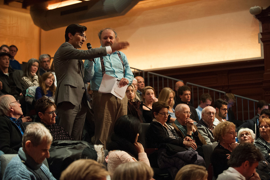 Nederland, Amsterdam, 1 dec 2013<br /> Debat in de Balie: Zionisme, IS en Hamas, zoek de verschillen<br /> Organisatie uitgeverij van Praag, UVP<br /> Foto: (c) Michiel Wijnbergh
