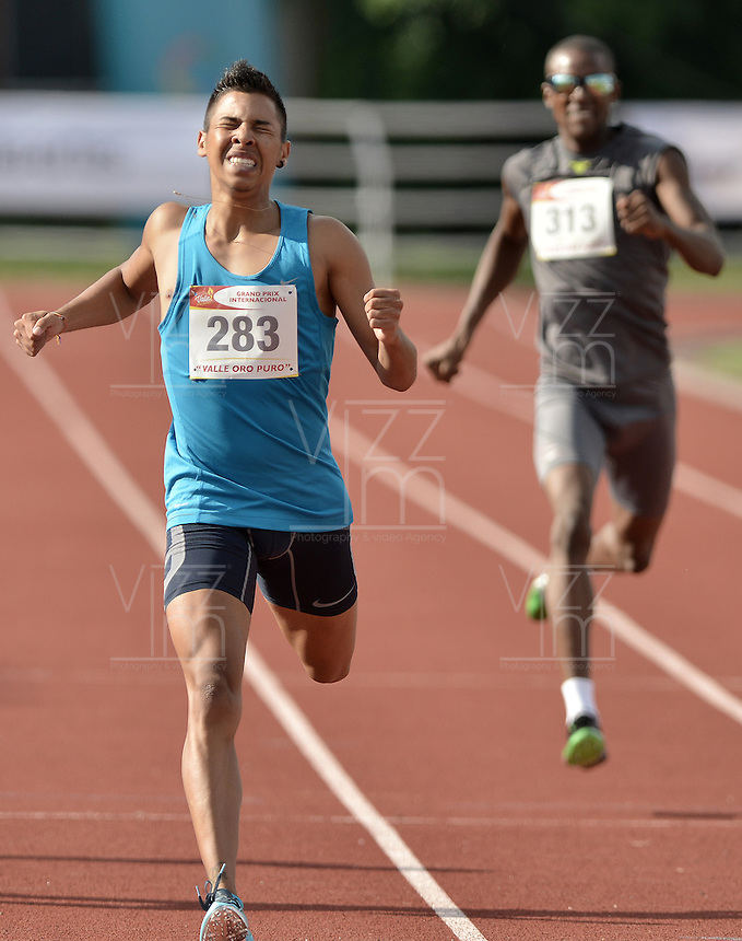 "CALI -COLOMBIA. 25-06-2016. Jose Ramirez del Valle durante su participación en el Grand Prix Internacional de Atletismo de Mayores ""Valle Oro Puro"" realizado entre el 25 y 26 de junio de 2016 en el estadio Pedro Grajales de la ciudad de Cali. / Jose Ramirez of Valle during his participation in the Grand Prix International Athletics Open ""Valle Oro Puro"" held between 25 and 26 June 2016 at Pedro Grajales stadium in Cali city. Photo: VizzorImage/ Gabriel Aponte / Staff"