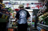 Jesus til kilopris. Et supermarked i øst-Hollywood. Los Angeles. 10.04.10.