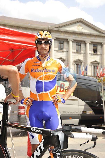 Denis Menchov (RUS) Rabobank before the start Stage 18 of the Tour de France 2009 an individual time trial running 40.5km around Lake Annecy, France. 23rd July 2009 (Photo by Eoin Clarke/NEWSFILE)