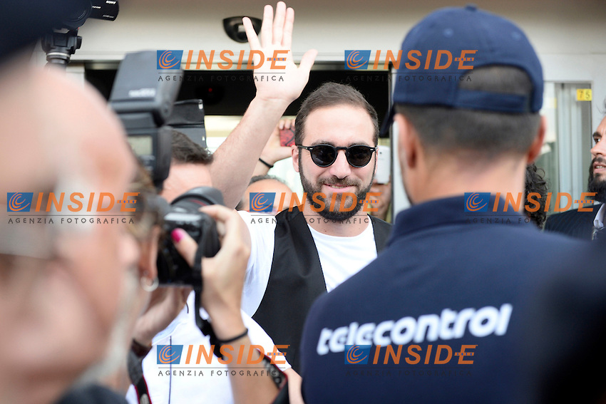 Gonzalo Higuain arrives at Caselle Airport in Torino.<br /> Torino 27-07-2016 <br /> Gonzalo Higuain new Juventus Player <br /> Foto Massimo Pinca/Image Sport/Insidefoto