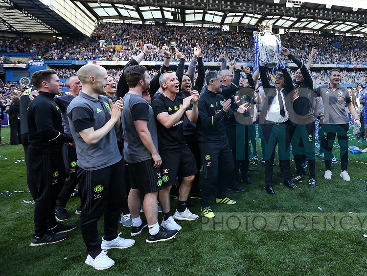 Chelsea's Antonio Conte celebrates with his staff during the Premier League match at Stamford Bridge Stadium, London. Picture date: May 18th, 2017. Pic credit should read: David Klein/Sportimage