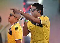 BOGOTA – COLOMBIA -  23-05-2014: Cali y el Dandee cantan durante fiesta de despedida en el estadio Nemesio Camacho el Campin de la ciudad de Bogota, Colombia parte hacia La copa Mundo Brasil 2014.  / Cali y el Dandee sing during a farewell party at the stadium Nemesio Camacho El Campin stadium in Bogota city, Colombia travels to the World Cup Brazil 2014. Photo: VizzorImage / Luis Ramirez / Staff.