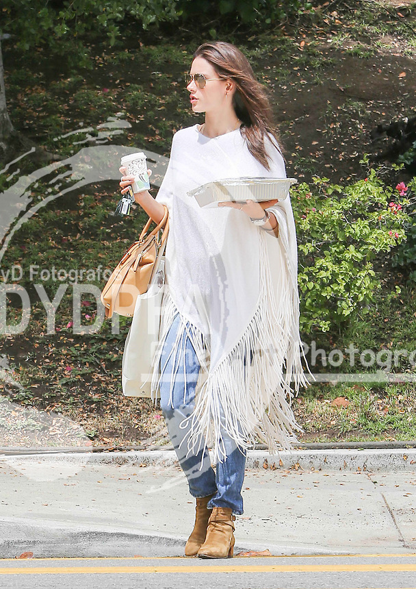 Brazilian Model &amp; actress Alessandra Ambrosio Sighted in Los Angeles. Alessandra was spotted dropping some pies off to her daughter Anja's school in Los Angeles, perhaps for a bake sale.<br /> The Victoria's Secret Angel accessorised her casual ensemble with a tan leather handbag and trendy aviator sunglasses.<br /> This pic:Alessandra Ambrosio<br /> JOB REF:18201 PHZ/STPR  DATE:15.05.2015<br /> **MUST CREDIT SOLARPIX.COM OR DOUBLE FEE WILL BE CHARGED**<br /> **MUST AGREE FEE BEFORE ONLINE USAGE**<br /> **CALL US ON: +34 952 811 768 or LOW RATE FROM UK 0844 617 7637**