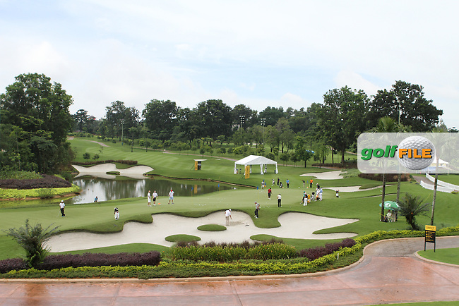Busy Practise Ground as play is suspended for the Pro-Am of the Maybank Malaysian Open 2012 at Kuala Lumpur Golf and Country Club, Kuala Lumpur, Malaysia...(Photo Jenny Matthews/www.golffile.ie)