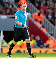 Referee Kevin Friend in action<br /> <br /> Photographer David Shipman/CameraSport<br /> <br /> The Premier League - Arsenal v Burnley - Saturday 22nd December 2018 - The Emirates - London<br /> <br /> World Copyright © 2018 CameraSport. All rights reserved. 43 Linden Ave. Countesthorpe. Leicester. England. LE8 5PG - Tel: +44 (0) 116 277 4147 - admin@camerasport.com - www.camerasport.com