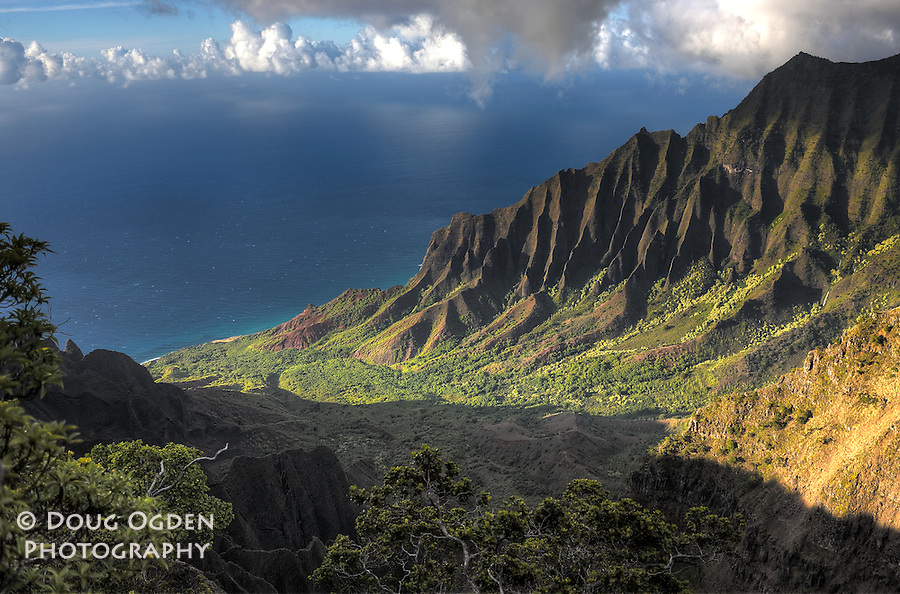 HDR of Kalalau Valley, Na Pali Coast, Kauai, Hawaii
