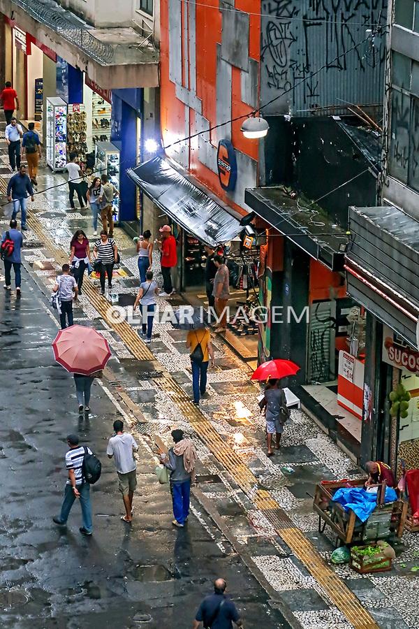 Lojas da rua 24 de Maio com Dom Jose de Barros, Sao Paulo. 2018. Foto de Juca Martins