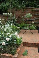 White Flower Garden