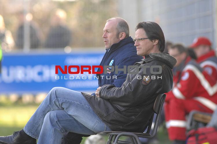 3. FBL 2008/2009 27. Spieltag Rückrunde BSV Kickers Emden vs. Stuttgarter Kickers  Trainer Stuttgarter Kickers Edgar Schmitt (re.) und Rainer Kraft (co-Trainer Stuttgarter Kickers)  Foto © nph (nordphoto)