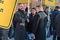 """Vertreter der Lausitzer Kohlereviere protestierten am Donnerstag den 14. November 2019 in Berlin vor dem Kanzleramt fuer eine bessere finanzielle Absicherung beim Ausstieg aus der Kohlefoerderung. Unter anderem forderten sie, dass eine Investitionspauschale fuer die Absicherung des kommunalen Eigenanteils festgeschrieben wird.<br /> Aufgerufen zu dem Protest hatte ein freiwilliges Buendnis der sogenannten """"Lausitzrunde"""".<br /> Im Bild: Unter die Buergermeister und Ortsvorsteher mischten sich auch Abgeordnete der rechtspopulistischen """"Alternative fuer Deutschland"""", AfD. Hier: Karsten Hilse (rechts, mit Flugblaettern in der Hand), begruesst Bekannte aus Sachsen.<br /> 14.11.2019, Berlin<br /> Copyright: Christian-Ditsch.de<br /> [Inhaltsveraendernde Manipulation des Fotos nur nach ausdruecklicher Genehmigung des Fotografen. Vereinbarungen ueber Abtretung von Persoenlichkeitsrechten/Model Release der abgebildeten Person/Personen liegen nicht vor. NO MODEL RELEASE! Nur fuer Redaktionelle Zwecke. Don't publish without copyright Christian-Ditsch.de, Veroeffentlichung nur mit Fotografennennung, sowie gegen Honorar, MwSt. und Beleg. Konto: I N G - D i B a, IBAN DE58500105175400192269, BIC INGDDEFFXXX, Kontakt: post@christian-ditsch.de<br /> Bei der Bearbeitung der Dateiinformationen darf die Urheberkennzeichnung in den EXIF- und  IPTC-Daten nicht entfernt werden, diese sind in digitalen Medien nach §95c UrhG rechtlich geschuetzt. Der Urhebervermerk wird gemaess §13 UrhG verlangt.]"""
