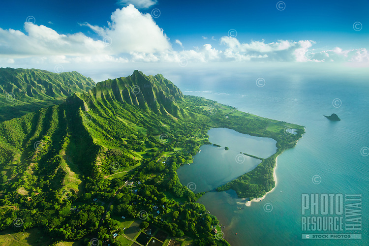Moli'i and 'Apua Fishponds near Secret Beach, with Chinaman's Hat (or Mokoli'i) on the right, Windward O'ahu.