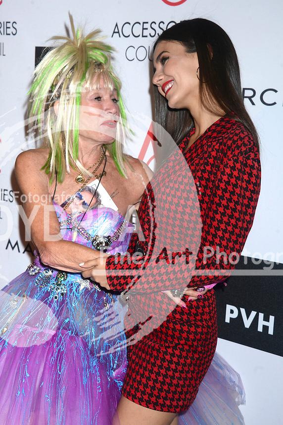 Betsey Johnson und Victoria Justice bei der Verleihung der 21. Ace Awards 2017 im Cipriani 42nd Street. New York, 07.08.2017