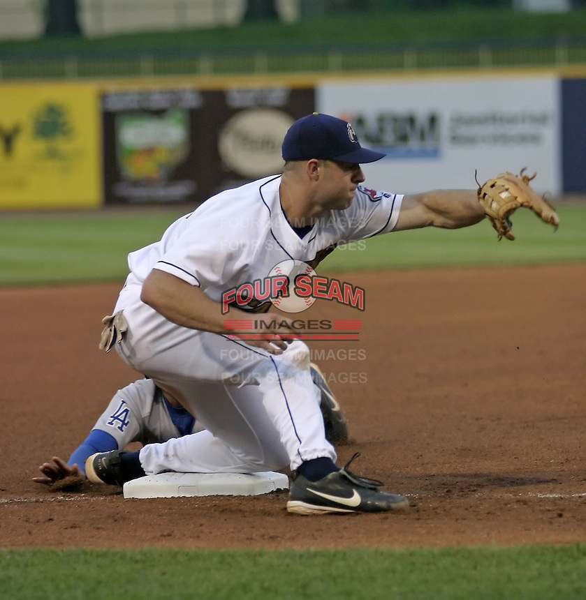 May 12, 2004:  Kevin Kouzmanoff of the Lake County Captains, Low-A South Atlantic League affiliate of the Cleveland Indians, during a game at Classic Park in Eastlake, OH.  Photo by:  Mike Janes/Four Seam Images