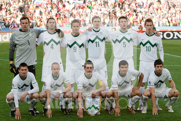 18.01.2010, Ellis Park Stadium, Johannesburg, RSA, FIFA WM 2010, Slovenia (SLO) vs United states of America (USA), im Bild Team of Slovenia, in 1st line (from L): Andraz Kirm of Slovenia, Miso Brecko of Slovenia, Robert Koren of Slovenia, Aleksander Radosavljevic of Slovenia and Bojan Jokic of Slovenia, 2nd line: Goalkeeper of Slovenia Samir Handanovic, Marko Suler of Slovenia, Zlatan Ljubijankic of Slovenia, Milivoje Novakovic of Slovenia, Bostjan Cesar of Slovenia and Valter Birsa of Slovenia. EXPA Pictures © 2010, PhotoCredit: EXPA/ Sportida/ Vid Ponikvar