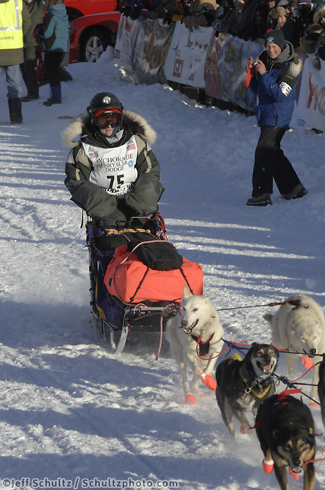 Liz Parrish Willow restart Iditarod 2008.