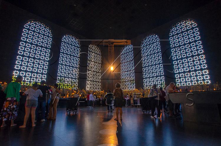 Capela das Velas da Basílica de Nossa Senhora de Aparecida, Aparecida - SP, 10/2016.